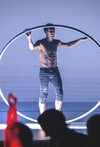 Billy George, cyr wheel artist at headnod talent agency