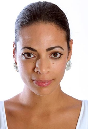 Yasmin Kadi, actor and singer at headnod talent agency