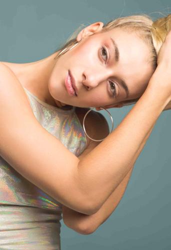 Emanuelle Soum, dancer and model at headnod talent agency