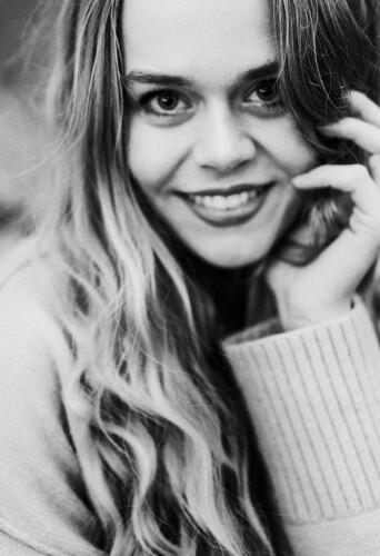 Charlotte Adams, dancer at headnod talent agency